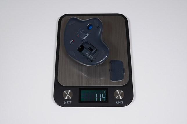 ロジクール ワイヤレストラックボールマウスSW-M570 重さ実測 電池なし