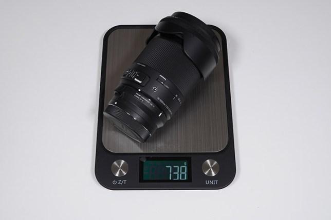 SIGMA 18-300mm F3.5-6.3 DC MACRO + SIGMA マウントコンバーター MC-11-重さ
