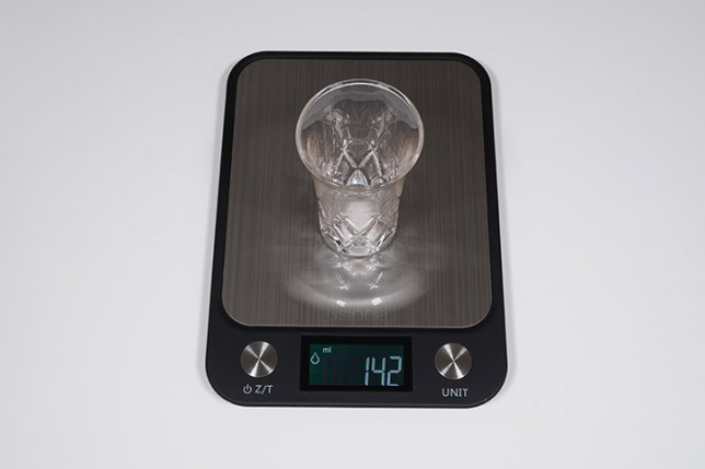 Electronic Kitchen Scale ヂジタルキッチンスケール-風袋引き機能の説明1