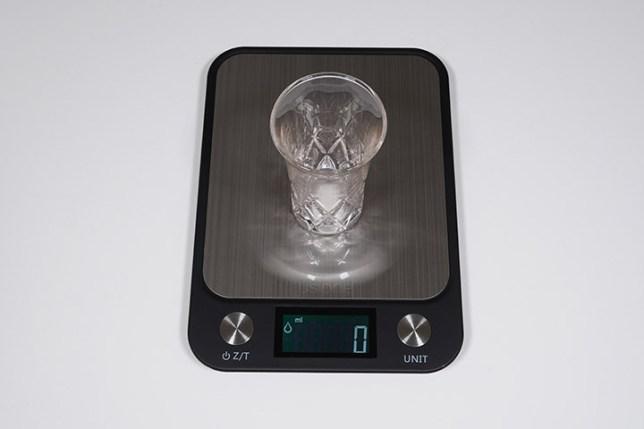 Electronic Kitchen Scale ヂジタルキッチンスケール-風袋引き機能の説明2