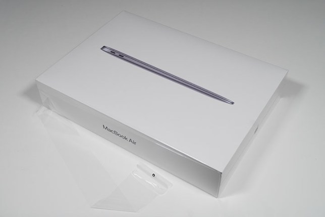 M1 MacBook Air 2020 箱 ナナメ ビニールはがし