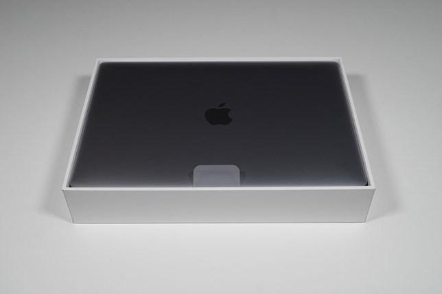 M1 MacBook Air 2020 箱の中