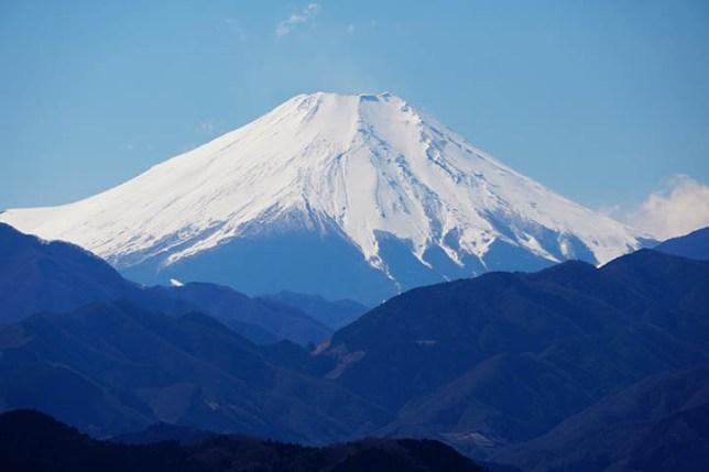 高尾山 もみじ台から見る富士山