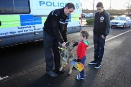Meeting a police dog
