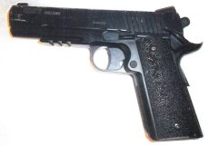 The gun used in the robbery | image West Midlands Police
