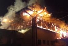 Photo of O casă din cartierul Ștefan cel Mare din Capitală a fost cuprinsă de flăcări. În locuință se afla și un bebeluș
