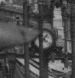 Morris Caplan's clock at 206 Pike in about 1931 (Dorpat/Edge, https://sherrlock.files.wordpress.com/2013/02/1-pike-street-east-fm-first-83-10-web1.jpg)