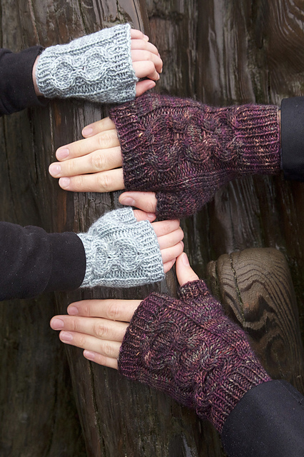 The newly revamp Honeycomb Mitts pattern from Tin Can Knits - free online today!