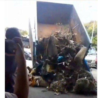 Balakong Rep Returns Truckload Of Rubbish Dumped Illegally Back To Factory