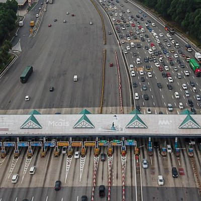 Heavy Traffic On Highways As Balik Kampung Exodus Begins
