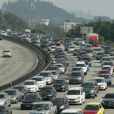 Slow Moving Traffic On Major Highways As At 11am