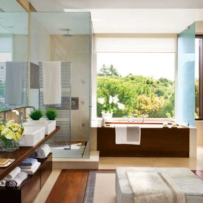 Spacious Very Versatile Bathroom With A Dressing Room