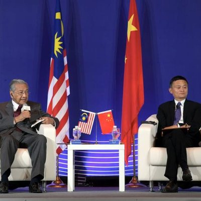The Look Of Sadness On Mahathir S Face Says It All China S Super Technology Vs Malaysia S Durians