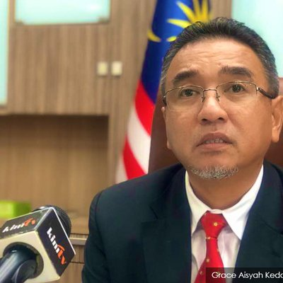 Wan Ji S Issue Should Be Settled Via Discussions Malacca Cm