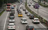 300 000 Cars Expected On Roads For Interstate Travel