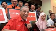 Anwar Threatens To Give Up Pakatan Leadership If No Confidence Motion Fails