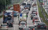 Be Lenient With Lorry Drivers At Road Blocks Says Association