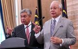 Umno S Plan Is To Jump Out Of The Plane Without A Parachute