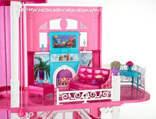 A Barbie Álomotthon nappalija, 2013