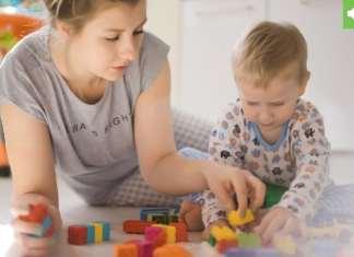 játszani a gyerekkel