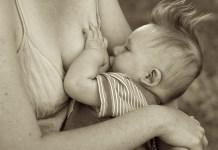 Nyilvános szoptatás - pro és kontra