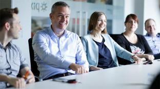 Scrum im Content-Marketing: Thomas Alscheid, hier beim Scrum Review, ist einer von vielen Stakeholder des Scrum-Teams.