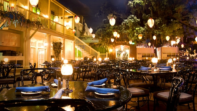 You Want to Know About Blue Bayou's Main Street Electrical Parade Dining Package