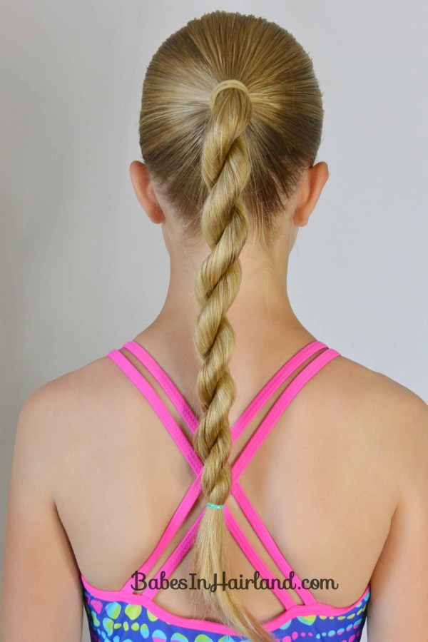 30 Easy Hairstyles For Pool Hairstyles Ideas Walk The Falls