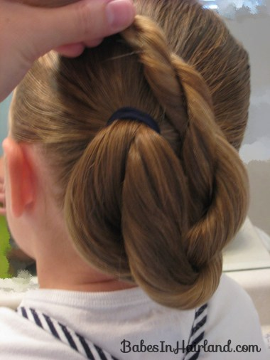 Loopy Bun Hairstyle (4)