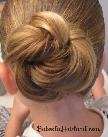 Loopy Bun Hairstyle (11)