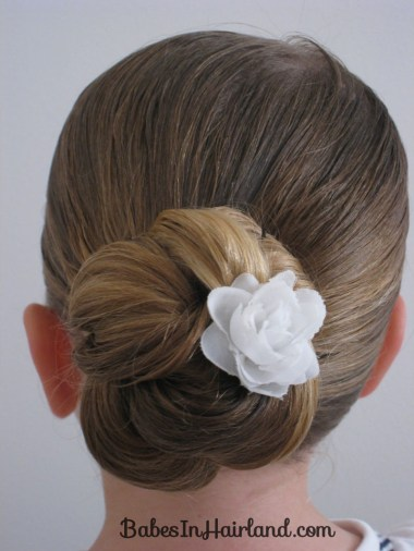 Loopy Bun Hairstyle (14)