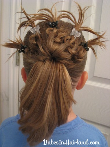 Knotted Peacock Tail Hairstyle (2)
