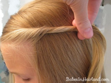 2 Simple Ways to Pull Bangs Back (5)