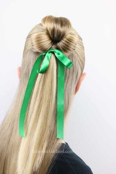 Need a cute St. Patrick's Day hairstyle, but don't have much time? This cute St. Patrick's Day Clover style takes just minutes and is pinch proof! BabesInHairland.com