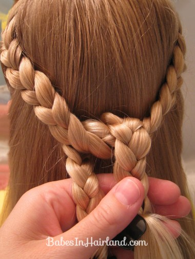 Knotted Braid Pullback (4)