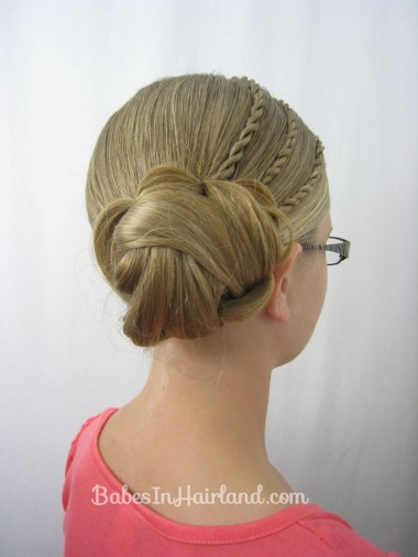 Triple Twists & a Bun Hairstyle from BabesInHairland.com