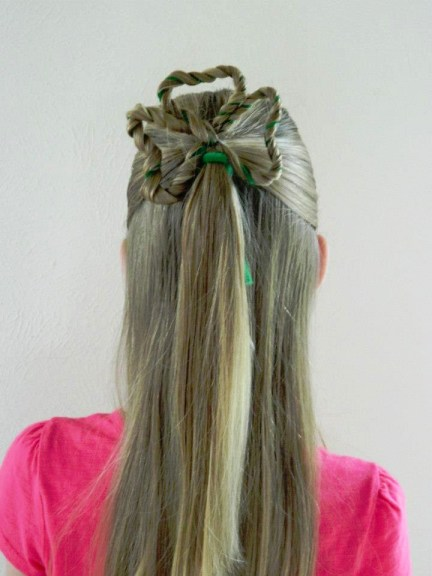 St. Patrick's Day Hairstyle | Clover Hair