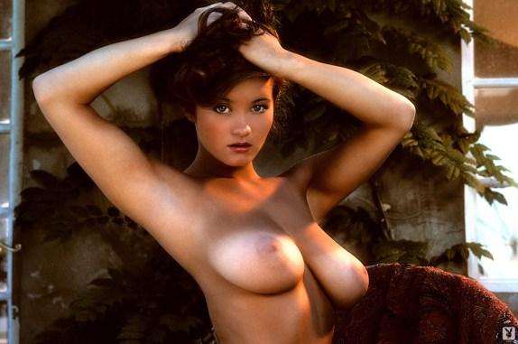 alana_soares_classic_playmate_004