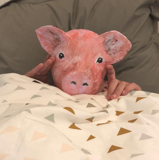 betje big is zo moe dat ze in bed is gaan liggen