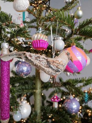 textiel vogeltje van babetteswereld in de kerstboom