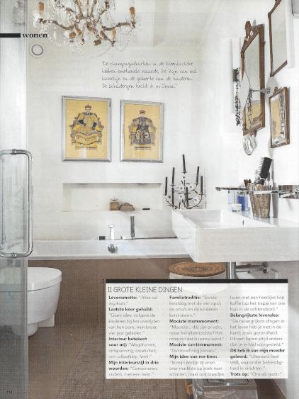 prachtige badkamer met kroonluchter