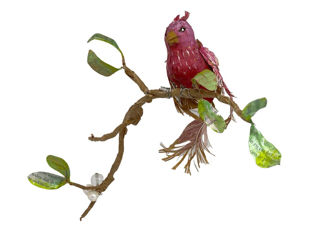 paperart vogel van papiermache