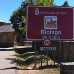 El cartel que tapa Riolago