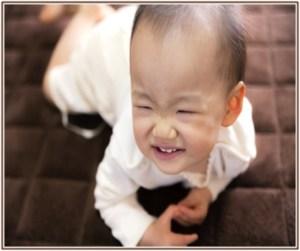 赤ちゃんがおしっこをして、オムツの交換頻度を増やしたところ