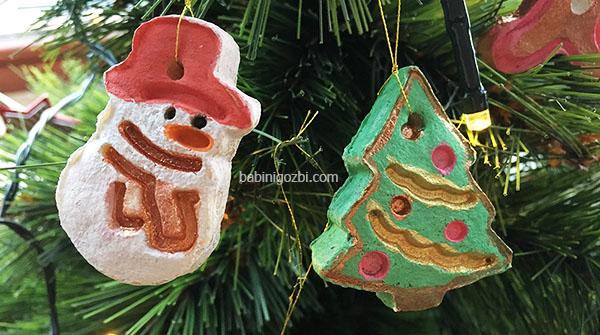 Коледни играчки
