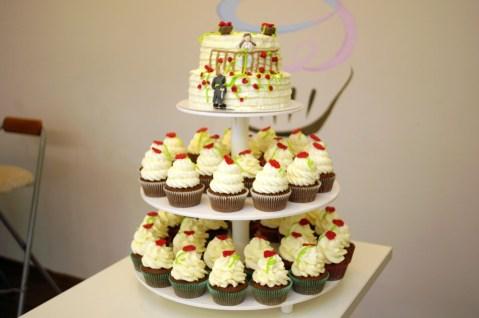 babeczkowy tort ślubny, babkarnia