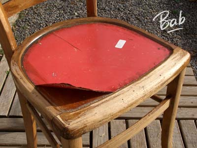chaise-rouge-01