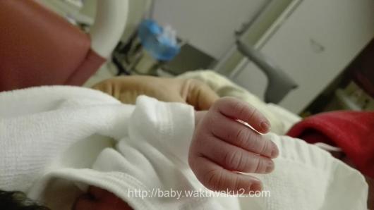 陣痛促進剤 出産レポート 計画無痛分娩 新生児の手