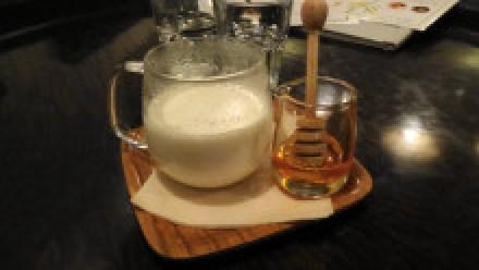 上野 チャノマカフェ ハーブミルク