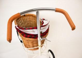 ステンレス製のハンドルをヌメ革でカバー